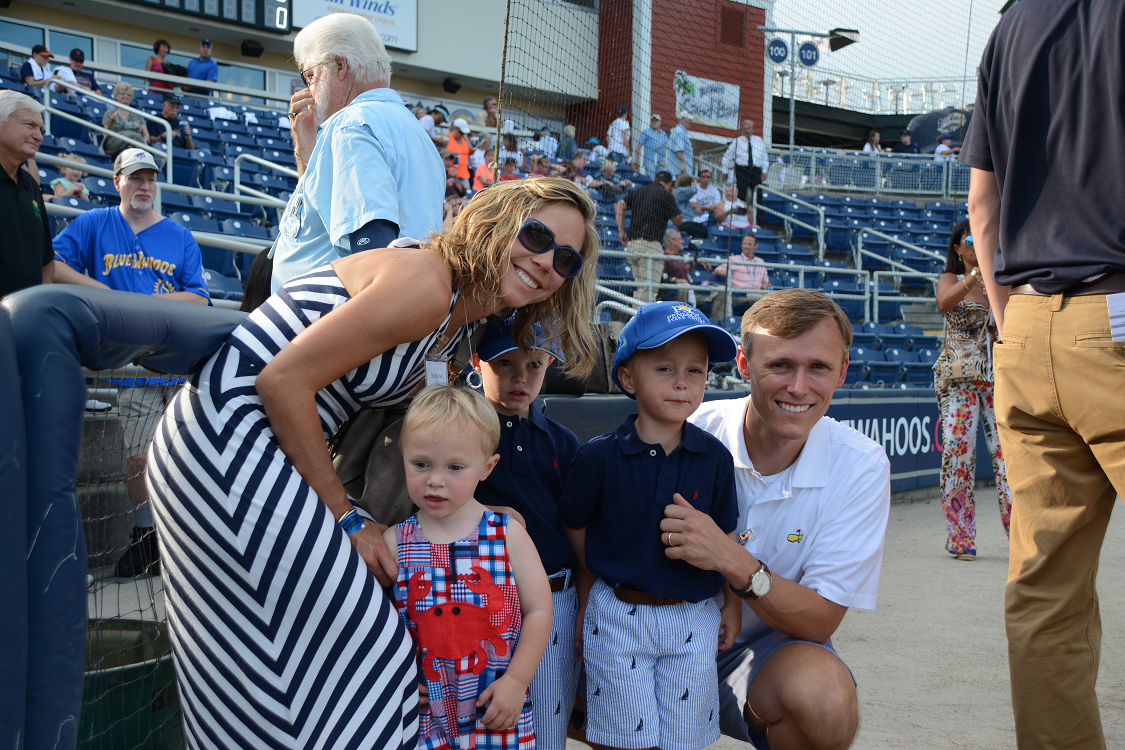 decorative image of 006 , Blue Wahoos Alumni Night 2015-08-06 14:07:58